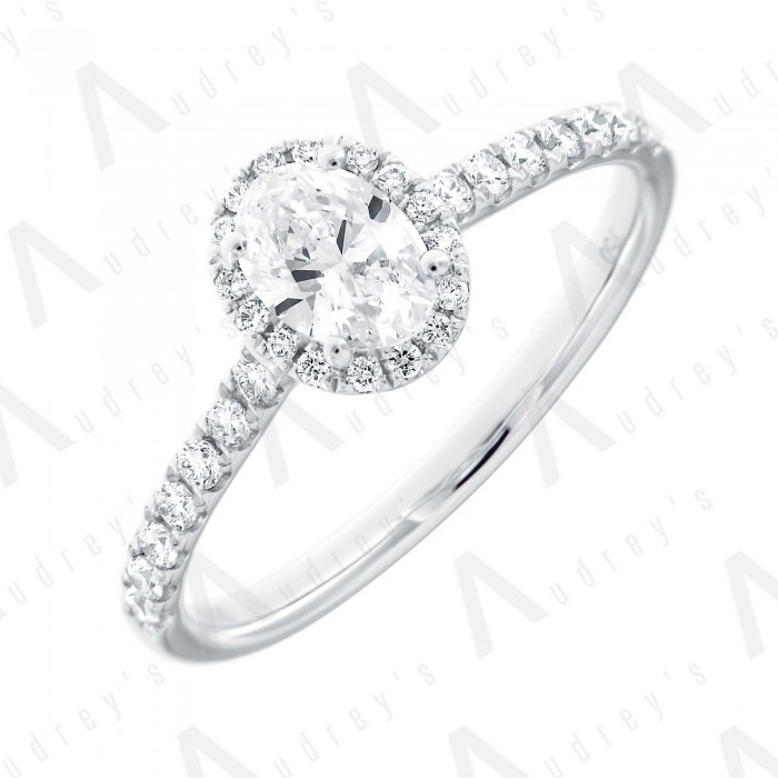 18K OVAL HALO DIAMOND RING