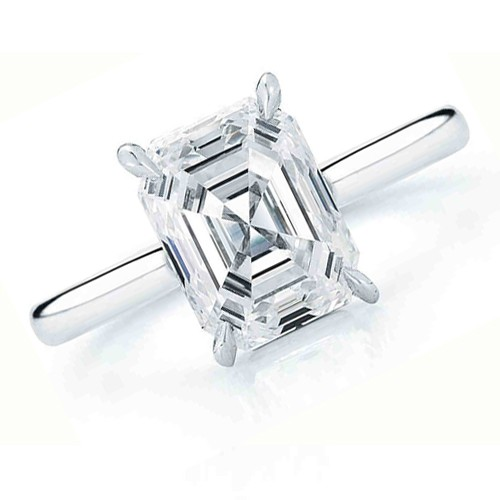 18K SOLITAIRE RING
